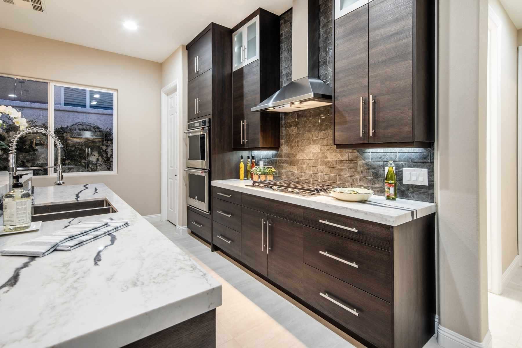 Kitchen Remodels Photo Gallery - Southern Vegas Valley Contracting